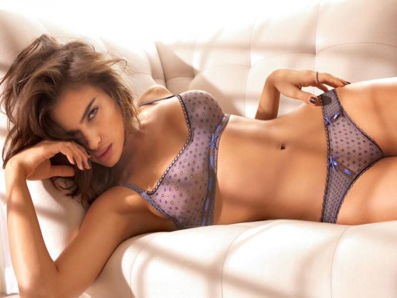 Namorada de Cristiano Ronaldo é eleita a mulher mais sexy do mundo