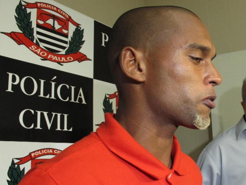 Jogador que matou a vizinha em Guarujá (SP) alega que a culpa foi da cocaína