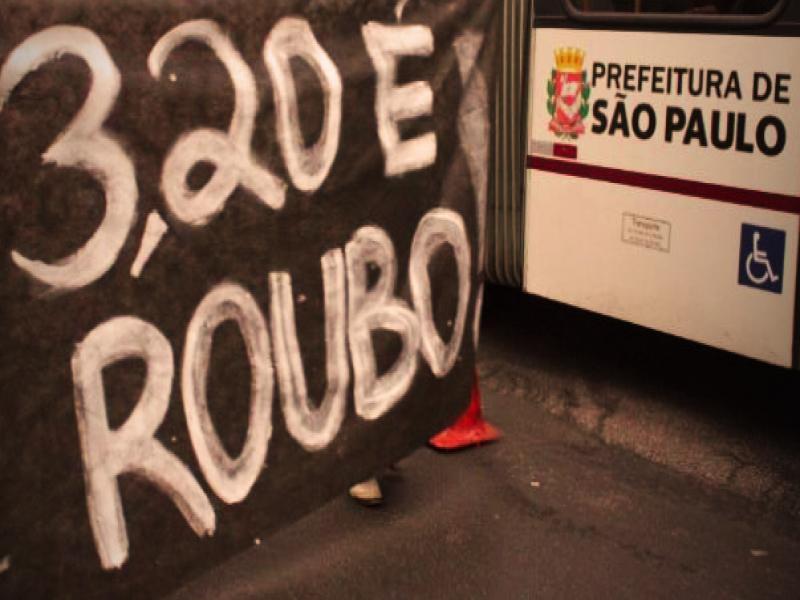 Após suspender protestos, Movimento Passe Livre de SP volta atrás