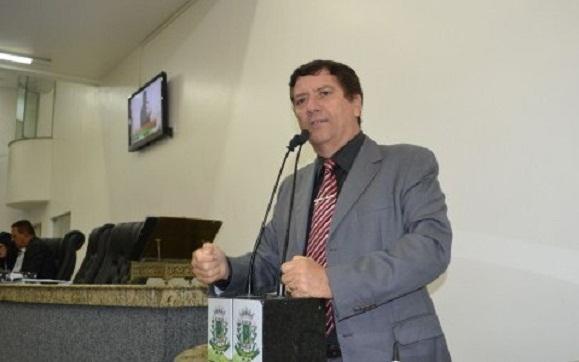 David Neto cobra devolução de dinheiro do concurso da Câmara Municipal