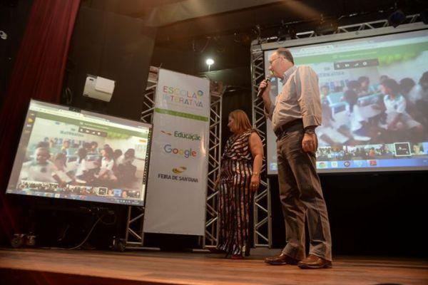 Feira de Santana é pioneira no Brasil com 100% de internet nas escolas municipais