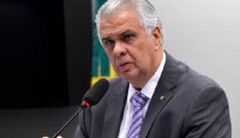 Conselho de Ética deixa para dia 24 análise de parecer em processo contra Cunha