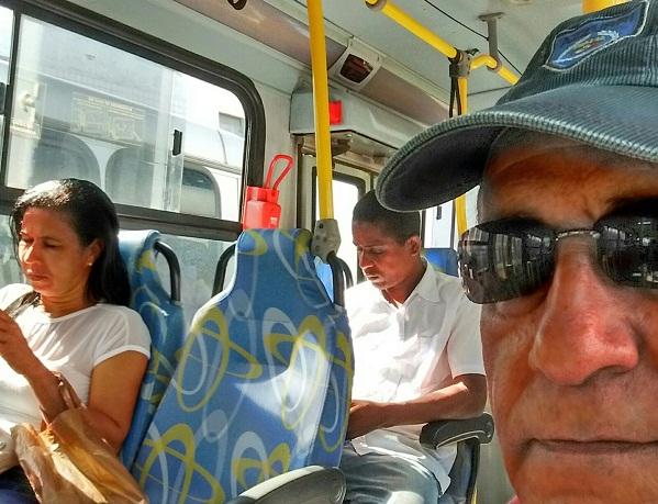 Secretário Pedro Boaventura bota a mão na massa