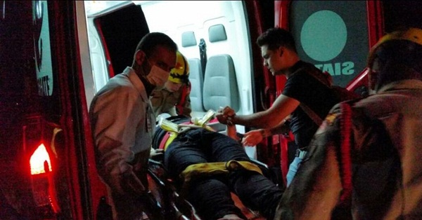 Fotos do acidente com o carro do cantor sertanejo Cristiano Araújo