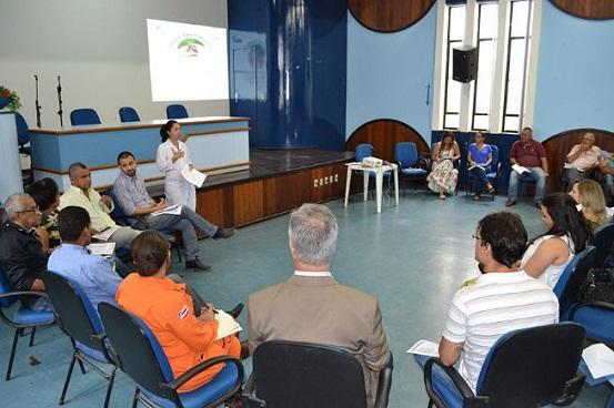 Secretaria de Saúde vai a campo para conscientizar sobre a Dengue