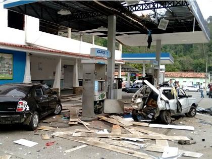 UM ALERTA: Gás veicular explode durante abastecimento