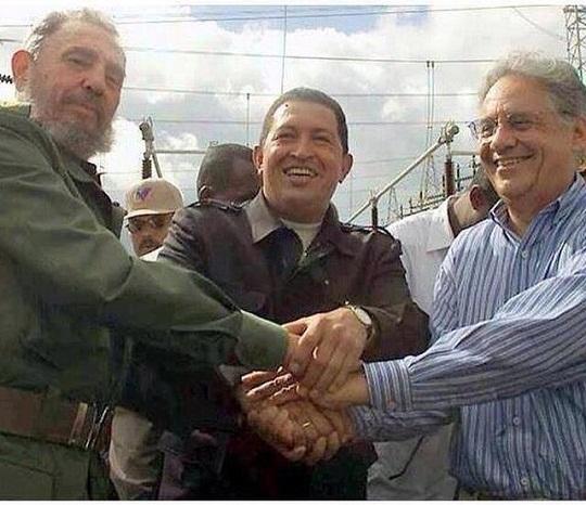 EM 2001 FHC ASSINA ACORDO PARA FINANCIAR METRÔ DE CARACAS A PORTO DE MARIEL