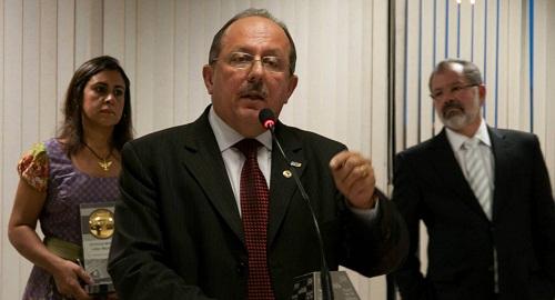 Deputado José de Arimateia descreve ações do mandato em 2015