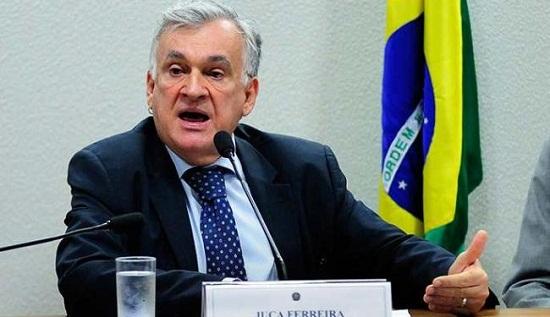 """Ministro da Cultura critica """"tentativa de quebra da ordem democrática e golpe"""