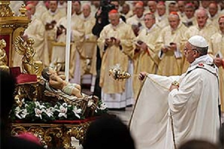Na Missa do Galo, papa Francisco pede simplicidade e sobriedade às pessoas