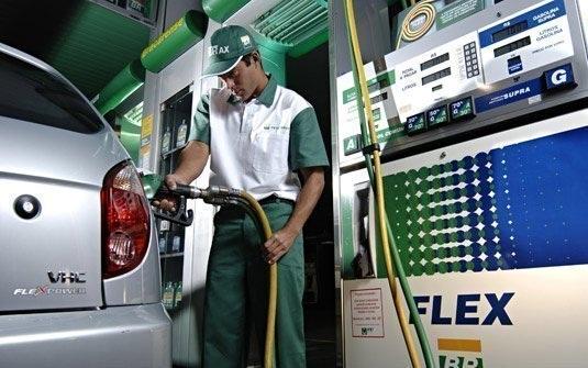 O litro do etanol vai ficar R$ 0,15 mais caro a partir de  1º de janeiro diz o Confaz