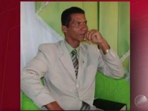 Pastor Edmar é suspeito de ter encomendado crime e está sendo procurado (Foto: Reprodução)