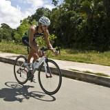 Triatleta apoiado pelo FazAtleta compete neste domingo em Brasília