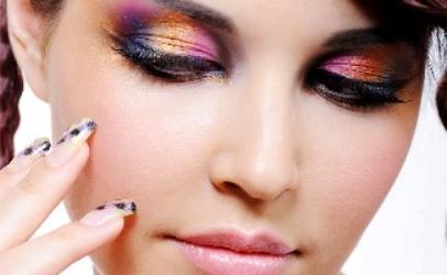 Aprenda a fazer combinações de cores na maquiagem
