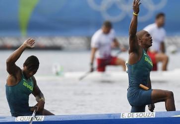 Isaquias conquista prata com Erlon de Souza e fecha Olimpíadas com 3 medalhas