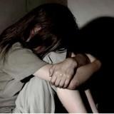 Mãe é presa por prostituir filha de 14 anos desde os 12 com dois idosos