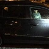 Mãe abandona filho trancado em carro para ir à boate