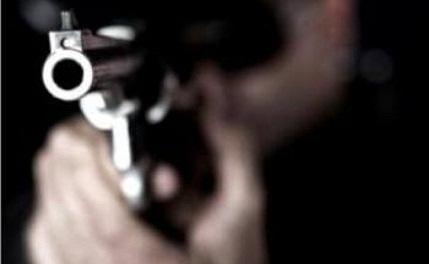 Menino de 8 anos vê mãe ser baleada na cabeça em Salvador