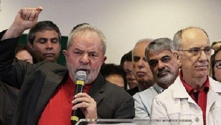 Lula discute rumo do PT com 47 deputados e 1 senadora