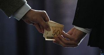 Prefeitos ricos financiam vereadores