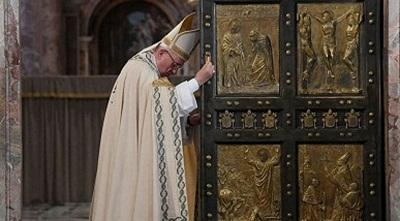 Papa: 'clero é rico de dinheiro e de soberba'