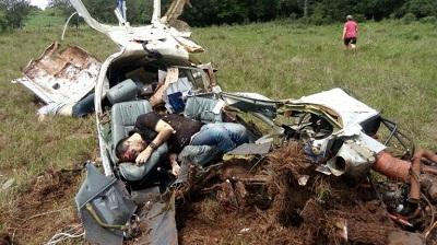 Avião monimotor cai e mata duas pessoas