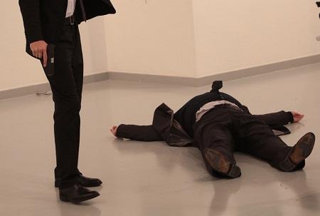 Embaixador Russo é assassinado na Turquia nessa segunda feira