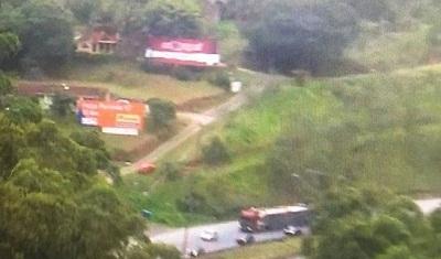 Helicóptero cai e deixa quatro mortos a 60 quilômetros de São Paulo