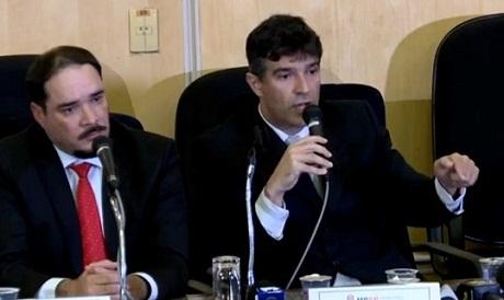 Promotores que pediram a prisão de Lula se declaram 'suspeitos'