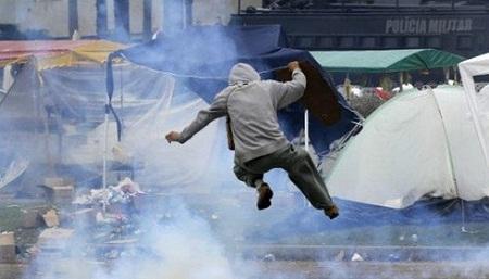 Estão criando as condições objetivas para o confronto nas ruas