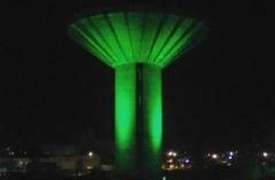 Reservatório do Tomba ganha iluminação verde em homenagem à Chapecoense