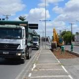 Corredores de tráfego do BRT começam a ser construídos na avenida João Durval