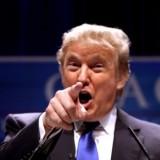 """Trump chama jornalistas de """"desonestos"""""""