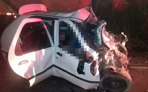 Acidente na BR-101 deixa oito mortos e um ferido