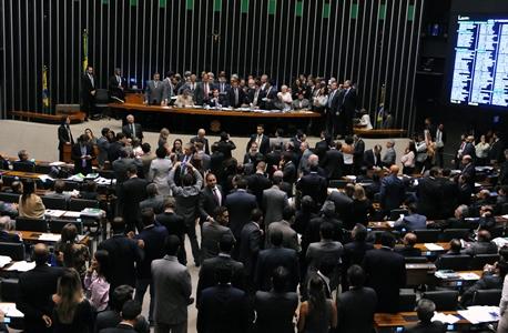 Estão em pauta no Plenário dívida dos estados e reforma trabalhista