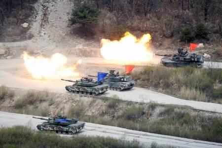 China exige que EUA e Coreia do Sul parem manobras militares