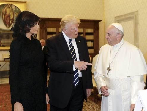 Trump chega ao Vaticano para antecipado encontro com o Papa Francisco