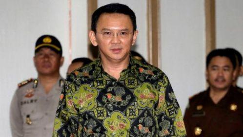 Condenação de prefeito da capital da Indonésia por 'insulto ao Islã'