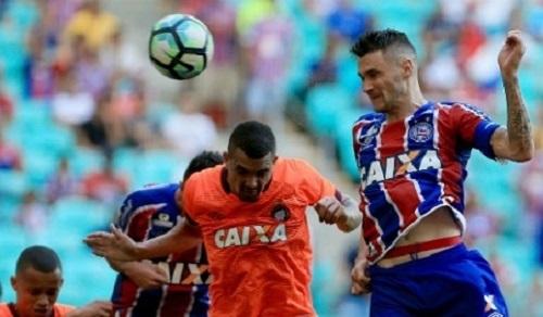 Bahia goleia Atlético-PR por 6×2 na estreia e lidera o Brasileirão