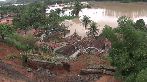 Em quatro horas, Recife registrou chuva esperada para quatro dias, afirma prefeitura