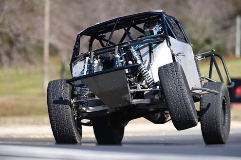Átila Abreu terá novo desafio neste final de semana: saltar com caminhões
