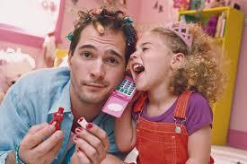 Estudo diz que homens participam cada vez mais da criação dos filhos