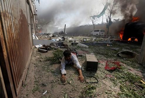 Explosão em bairro de embaixadas em Cabul mata 80 e deixa mais de 300 feridos