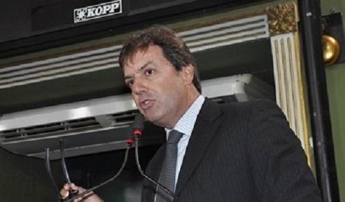 OPOSIÇÃO ACUSA ACM NETO DE TER ADULTERADO  O DIÁRIO OFICIAL