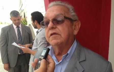 Faleceu na noite de ontem o Presidente do PSB, Sinval Galeão