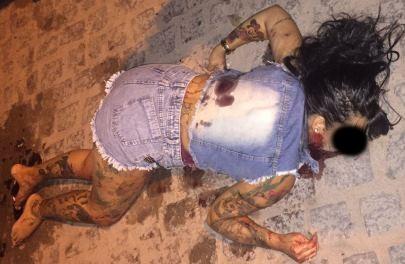 Jovem é assassinada a tiros no Feira IX