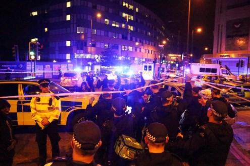 Suspeito de atropelar fiéis em frente a mesquita em Londres é identificado pela imprensa