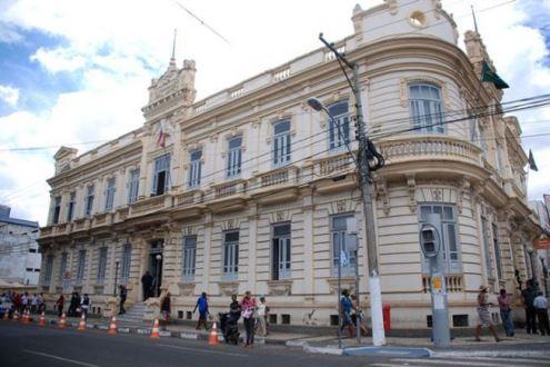 Prefeitura de Feira decreta ponto facultativo na sexta-feira