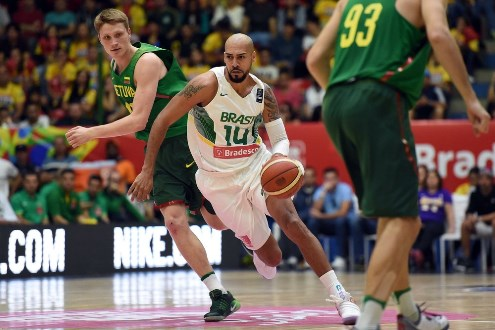 Presidente da CBB anuncia fim de suspensão da Fiba ao basquete brasileiro