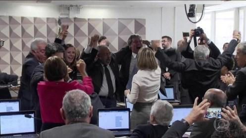 Oposição tenta adiar análise da reforma trabalhista na CCJ do Senado